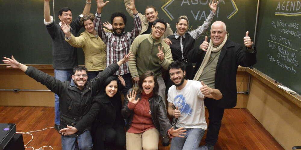 """(Português) Encontro reúne mentores e empreendedores apoiados em evento de encerramento do Programa """"Agora Vai"""" de Mentoria Coletiva"""