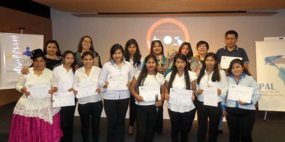 (Português) 24 empreendedores completam turma de formandos do Programa Tecendo Sonhos que aconteceu no último dia 22