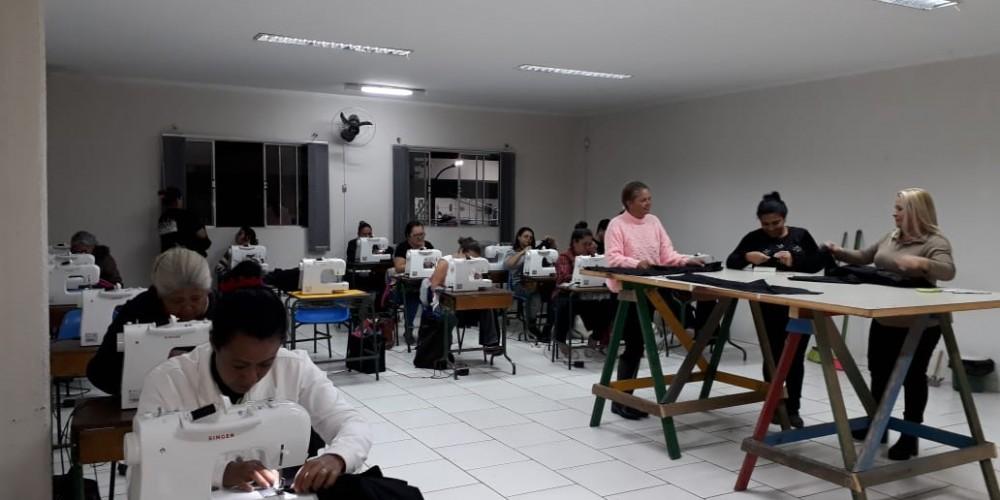 Projeto Costurando o Futuro chega a mais 200 mulheres, desta vez na Região Metropolitana de Curitiba