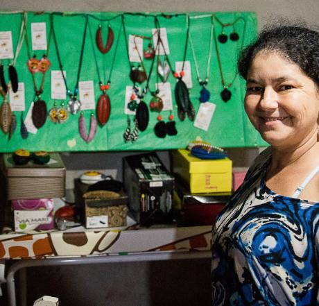 (Português) Documentário sobre projeto Costurando o Futuro traz depoimentos de mudança de vida