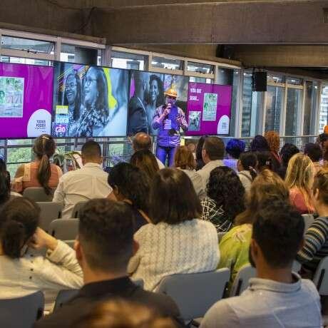 (Português) Microempreendedores compartilham suas histórias em evento anual da Aliança Empreendedora